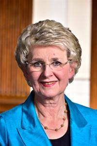 Photograph of Councillor Lesley Rennie